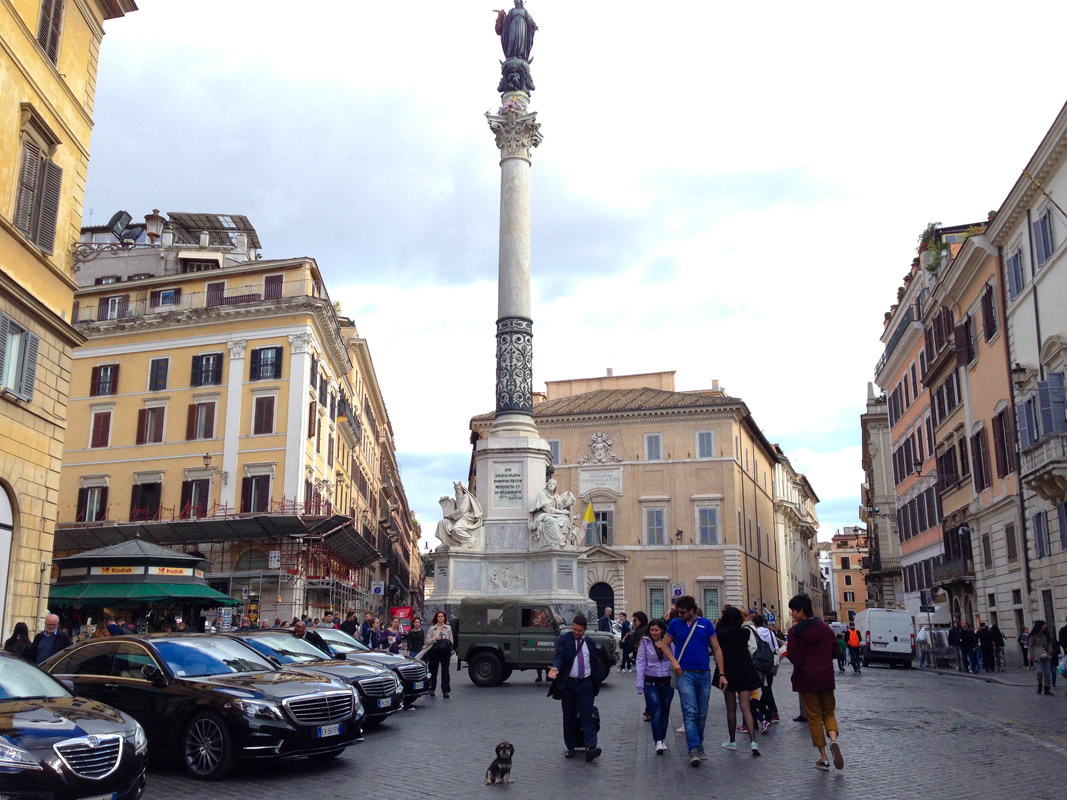 Willie in front of Piazza di Spagna in Rome Italy