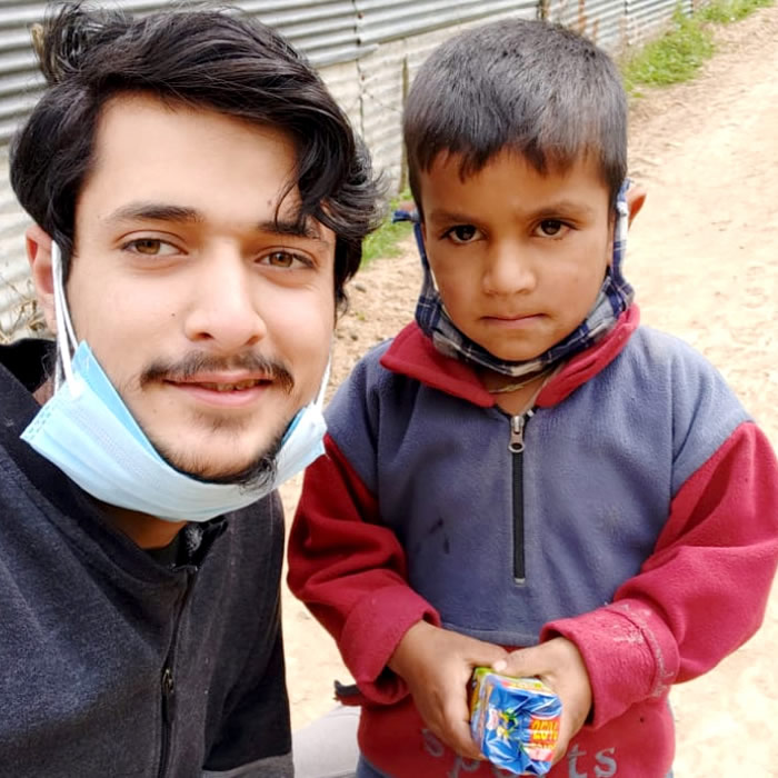 Willie's volunteers deliver COVID-19 supplies to children in Northern India